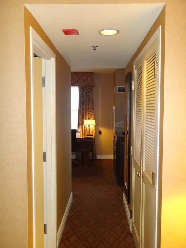 IC Chicago - Executive Suite - Hallway