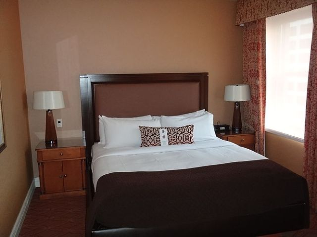 IC Chicago - Executive Suite - King Size Bed