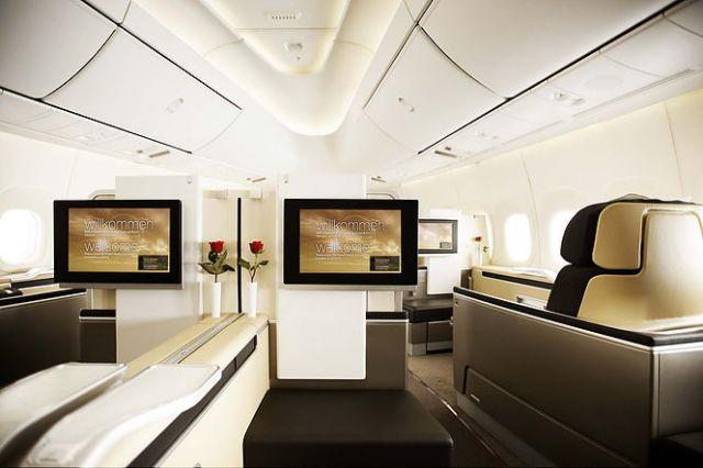 Lufthansa Boeing 747 First Class