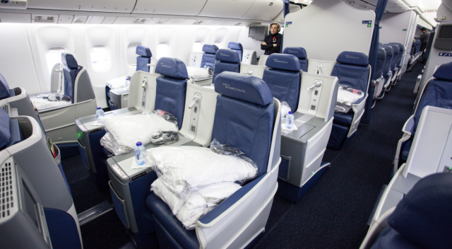 Delta BusinessElite Staggered Seats