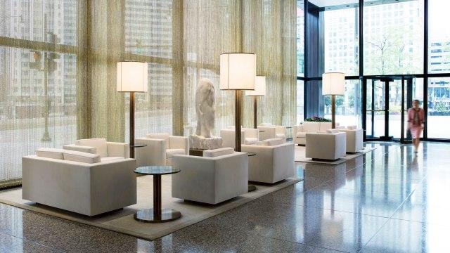 Langham Chicago - Lobby