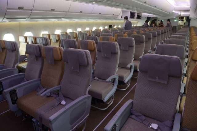 singapore-airlines-a350-economy-class-cabin