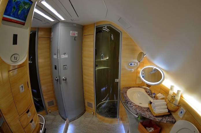 emirates-a380-shower
