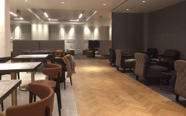 Qantas LHR Lounge 5